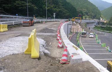 鳥取自動車道北村外整備工事 | ...